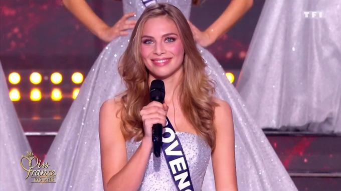 April Benayoum, Miss Provence, première dauphine de Miss France 2021