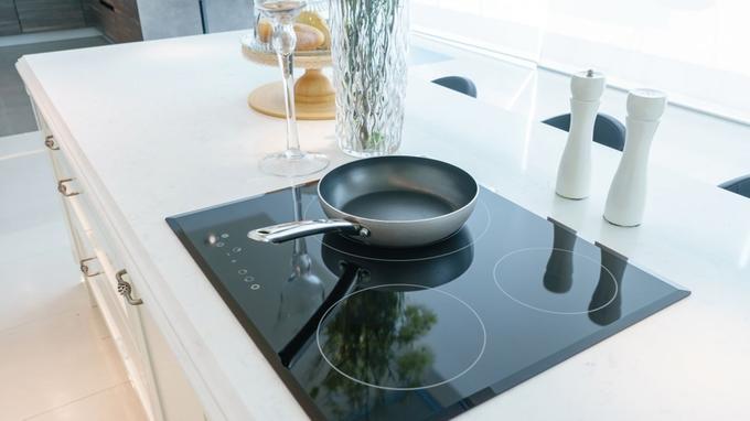 comparatif pour choisir la plaque induction 3 feux. Black Bedroom Furniture Sets. Home Design Ideas