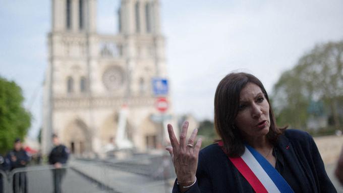 Notre-Dame : Anne Hidalgo défend une «restauration à l'identique» de la cathédrale