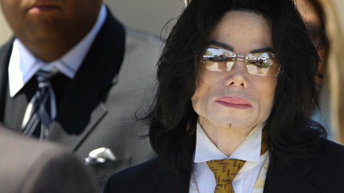 Dix ans après la mort de Michael Jackson, de nouveaux témoignages accablent le Dr Murray XVM211f82b4-9661-11e9-bf4f-065c3bd6e928