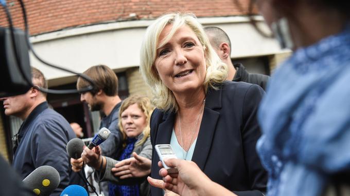 De retour, Le Pen accuse Macron de diviser les Français et de «déconstruire» le pays