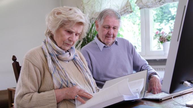 Impôts 2021 : abattement spécial pour les plus de 65 ans ...