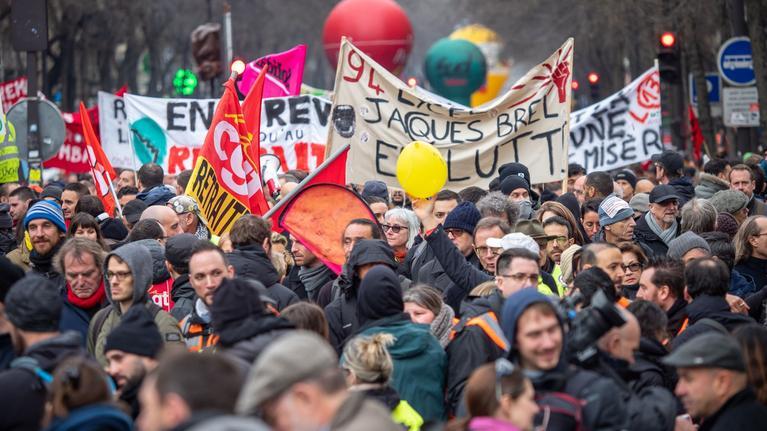 Samedi, environ 10.000 personnes ont manifesté contre la réforme des retraites.