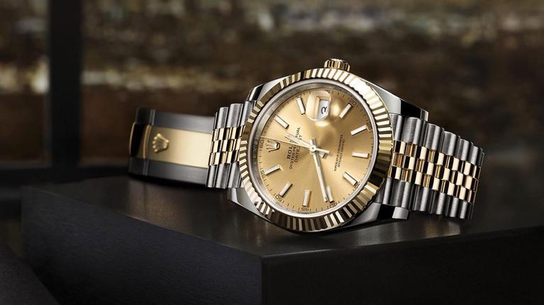 Quelles montres de luxe d'occasion acheter en ligne actuellement?
