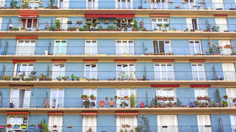 Dorénavant les constructions privées parisiennes (de plus de 800 m²) devront comporter 30% de logements sociaux. Crédit: Rrrainbow/iStock