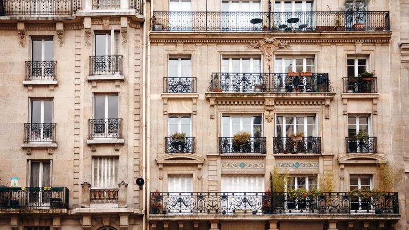 Une façade d'un immeuble hausmannien