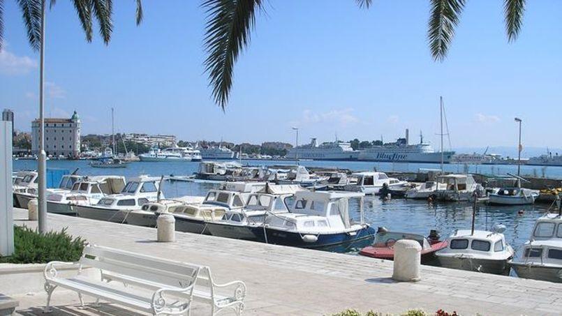 De Split, vous pourrez prendre un bateau pour explorer les nombreuses îles de Croatie. ©Flickr/CC/vidonjac