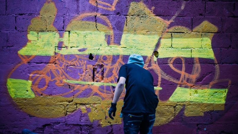 À Beyrouth, toute la ville est taguée. Certains sont même payés pour graffer, mais les messages sont contrôlés.© Mehdi Drissi