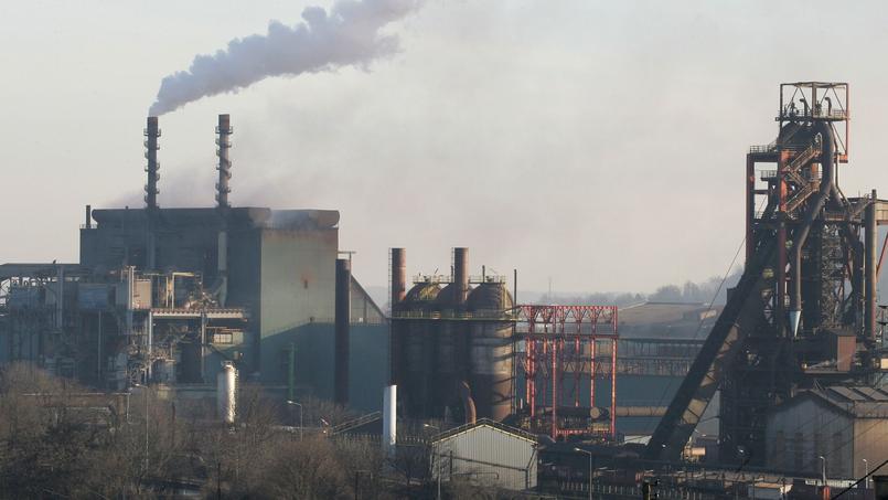 Florange est tristement célèbre depuis 2011 et la mise à l'arrêt des hauts fourneaux par ArcelorMittal. En 2013, l'un des deux fourneaux fermera définitivement. © AFP