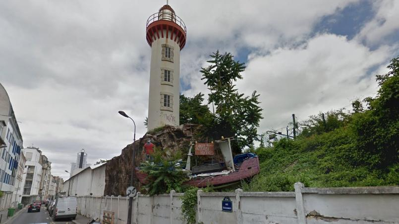 Capture d'écran via Google Maps du phare de la rue Castagnary (XVe arrondissement de Paris)