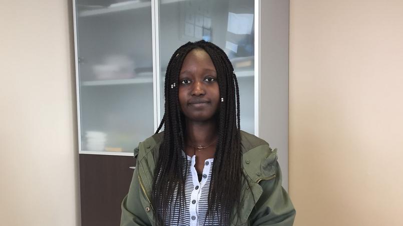 Après une mention bien, Djiguene, 18 ans. élève en classe préparatoire, rêve de travailler dans l'audit.