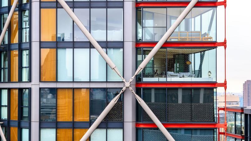 Cinq résidents de cet immeuble ont porté plainte contre la Tate Modern, pour faire fermer une partie de sa terrasse panoramique offrant une vue plongeante sur leur logement.