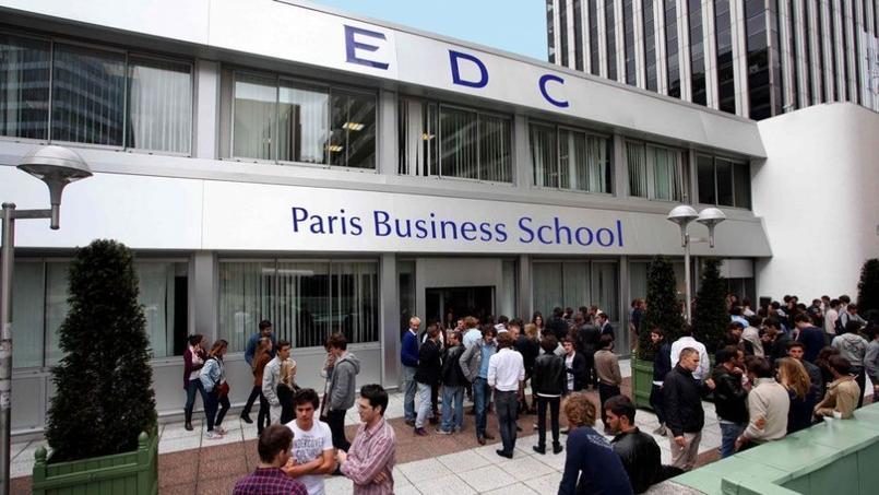 Un nouveau départ pour les étudiants de l'EDC, ici l'entrée de l'école située à la Défense.