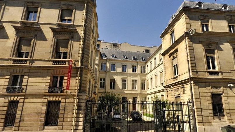 Le siège historique du Parti socialiste depuis 40 ans se situe rue Solférino, à deux pas de l'Assemblée nationale.