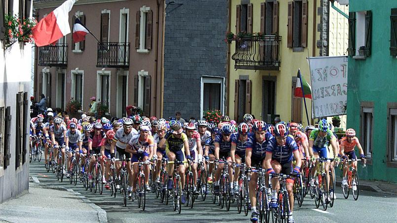 C'est dans l'Est de la France, à Vittel et Vesoul, que l'on décroche le plus fort pouvoir d'achat immobilier (photo d'illustration lors d'un passage du Tour en Alsace).