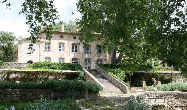 Le Château Margüi, propriété viticole à Châteauvert (Var)