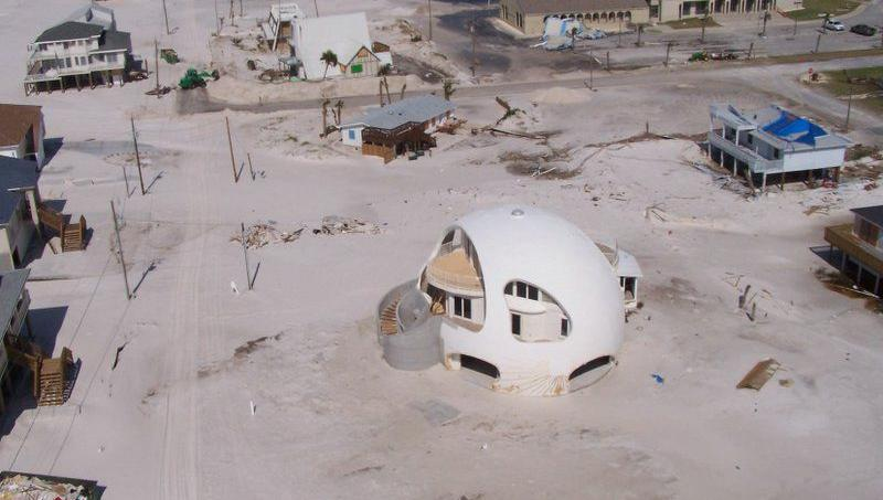 Scène de désolation, en 2005, après le passage de l'ouragan Dennis.