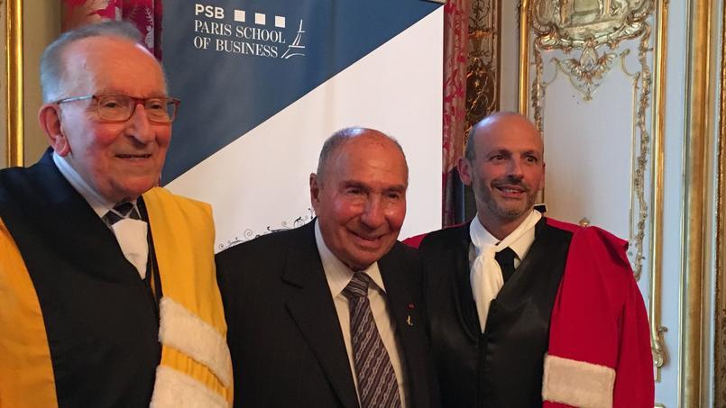 Yvon Gattaz, membre de l'Institut, Serge Dassault (président du groupe Dassault et Pdg du Figaro) et Armand Derhy, directeur de PSB (ex ESG). ©Sdetarle