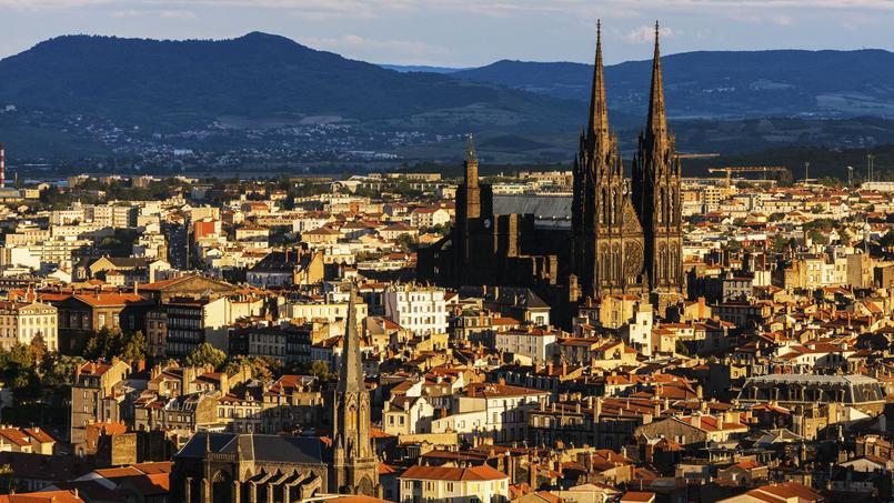 Vue de Clermont-Ferrand et de sa cathédrale.