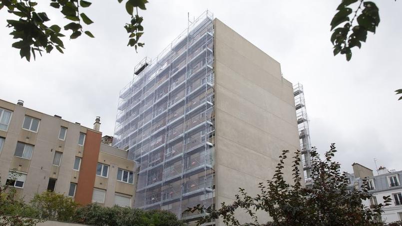 Les logements du 3-7 rue Stephenson (XVIIIe), bénéficiaires du programme Eco-Rénovons, qui permet à des copropriétés parisiennes de procéder à une rénovation énergétique avec des aides financières.