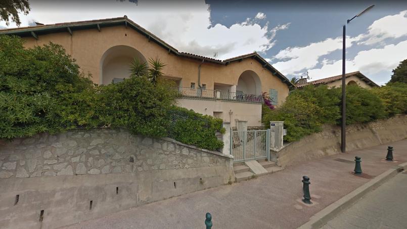 Ces trois villas et leurs terrains achetés 450.000 euros par la commune devaient être revendus pour 8 millions d'euros.