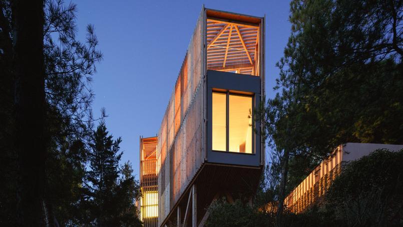 vous êtes plutôt maison de vacances en bois ou maison en acier ?