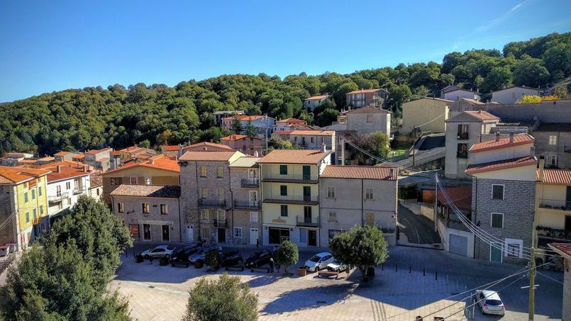 En Sardaigne Ce Village Vend Des Maisons à 1 Euro