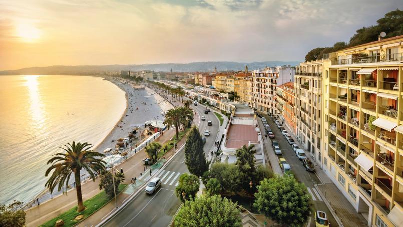 Nice (ici la Promenade des Anglais) est l'une des rares grandes villes de France où le pouvoir d'achat immobilier a augmenté.