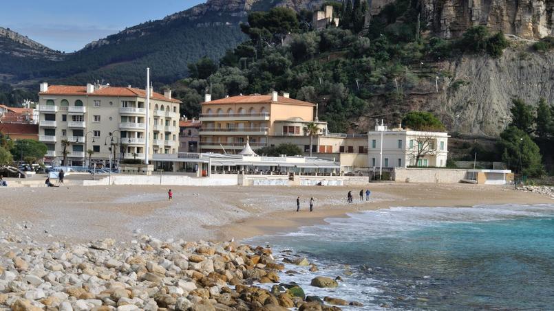 La plage de Cassis (Bouches-du-Rhône).