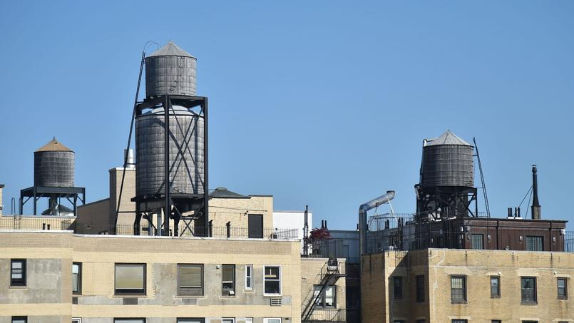 Story about water tanks in New York