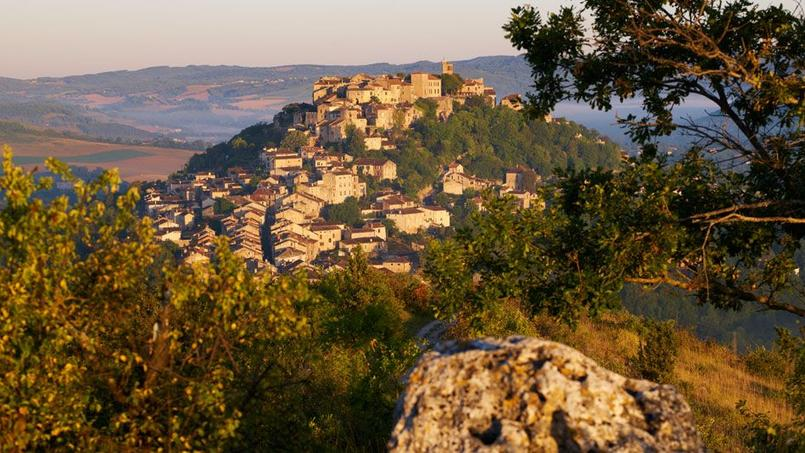 Le village de Cordes-sur-ciel, en Occitanie.