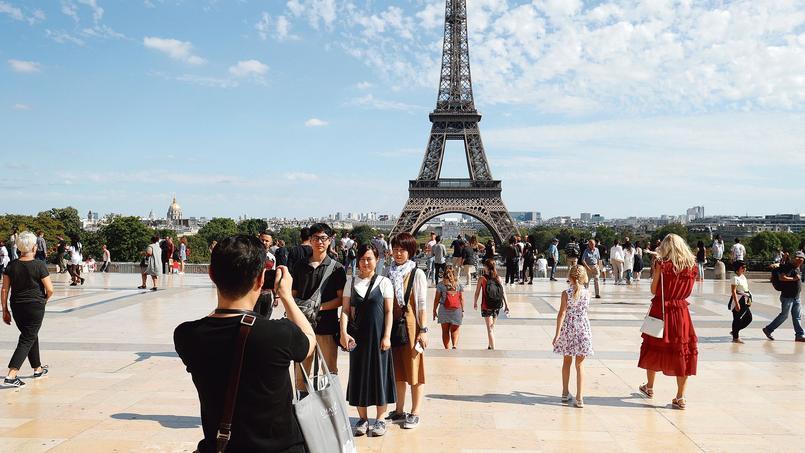 Paris «intra-muros» compte 65.000 hébergements Airbnb contre 80.000 chambres d'hôtels.