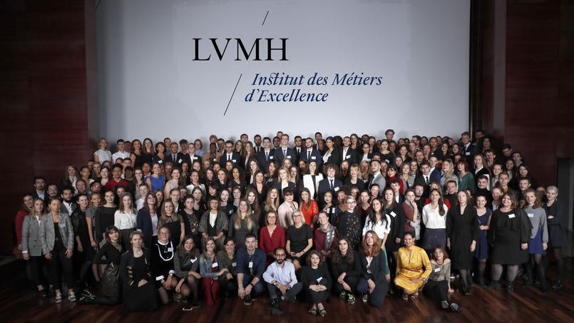 L'école LVMH forme gratuitement les jeunes au luxe et à l'artisanat