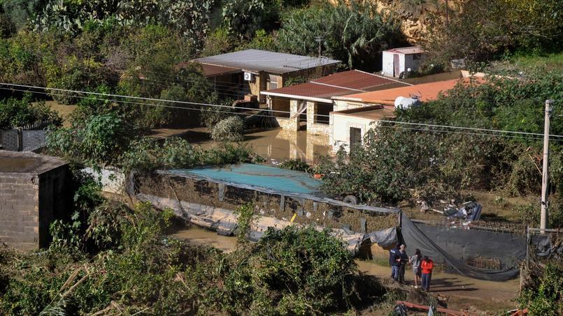 C'est dans cette maison, en Sicile, que neuf personnes ont perdu la vie après que l'eau et la boue ont submergé leur logement
