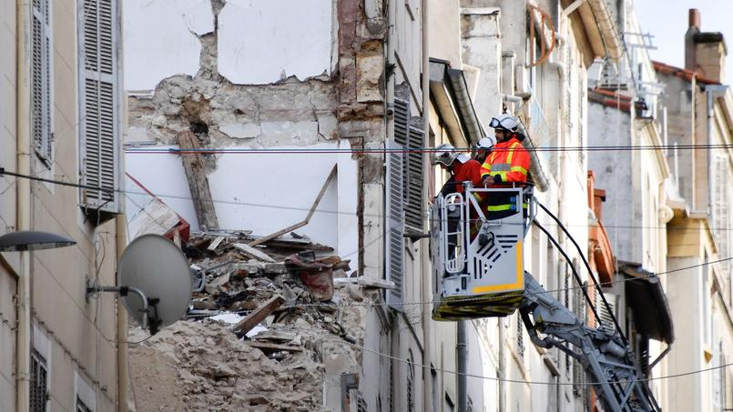 Alors que les secours sont toujours sur place, des experts seront envoyés de Paris pour épauler les spécialistes locaux et déterminer s'il faut envisager de nouvelles démolitions.