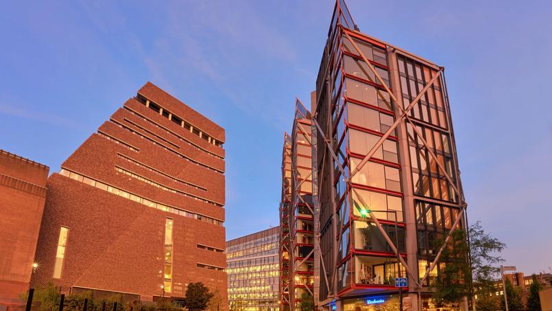 La terrasse panoramique du célèbre musée londonien (immeuble de gauche) offre une vue plongeante sur de luxueux appartements.