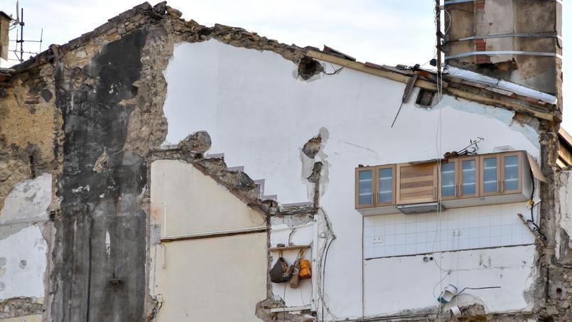 À Marseille, près de 40.000 logements (13% du parc de résidences principales) sont jugés indignes. Quelque 100.000 personnes seraient concernées.