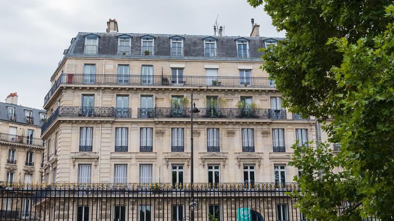Un immeuble en face du parc du Luxembourg, dans le VIe arrondissement de Paris