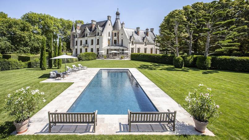 Une piscine de 15mx5m, trophée d'or dans la catégorie «piscine familiale de forme angulaire».