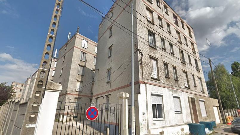 La copropriété située au 21 rue des Deux Communes, compte six immeubles.