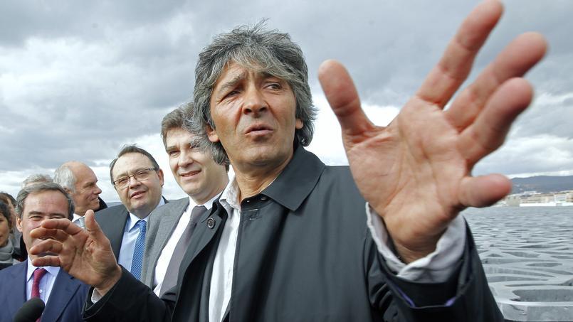 L'architecte Rudy Ricciotti, en 2013, faisant découvrir le Mucem à Arnaud Montebourg.