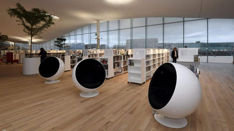 FINLAND-ARCHITECTURE-MUSEUM-LIBRARY-ROBOTS