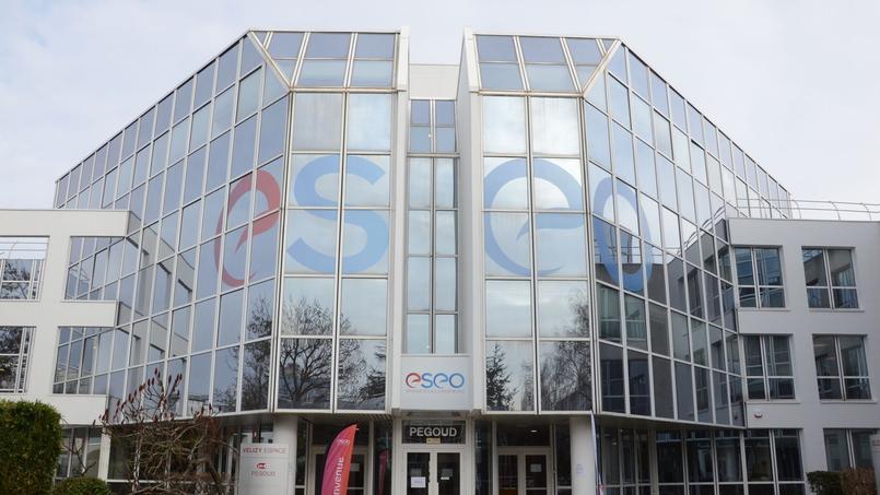 Le bâtiment de cette école d'ingénieurs à Vélizy compte 3 000 m2.