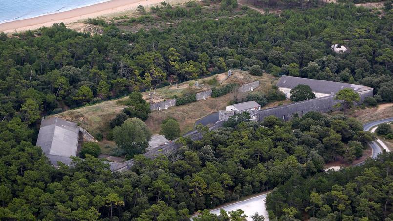 Le fort des Saumonards est rattaché à la commune de Saint-Georges-d'Oléron.