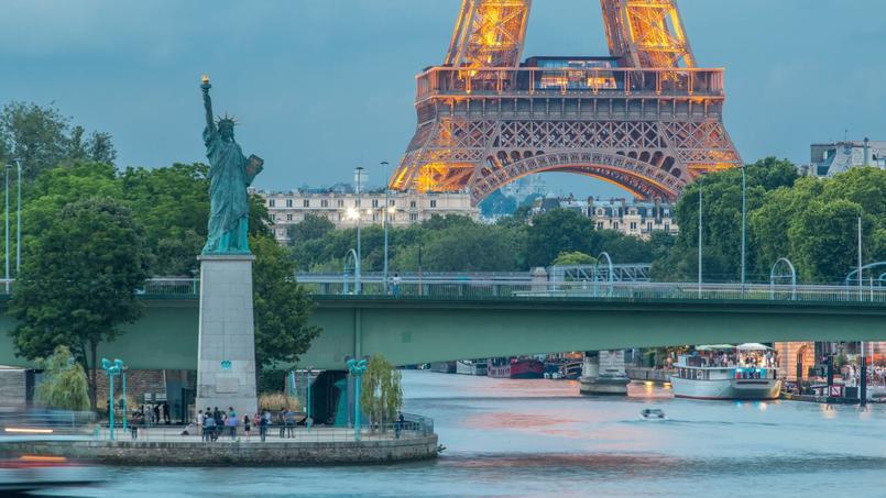 Vue sur le pont Mirabeau