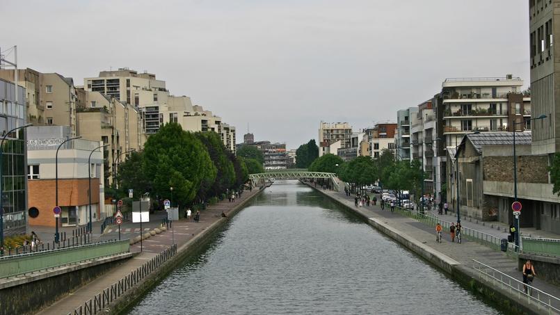 Vue du canal de l'Ourcq, à Pantin (Seine-Saint-Denis).