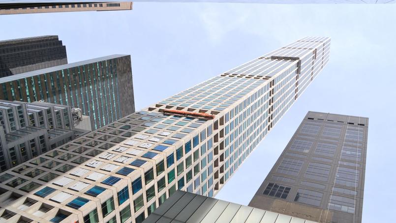 C'est sur le Cube (à droite), au pied de cette tour que le promoteur a fait afficher les portraits géants.