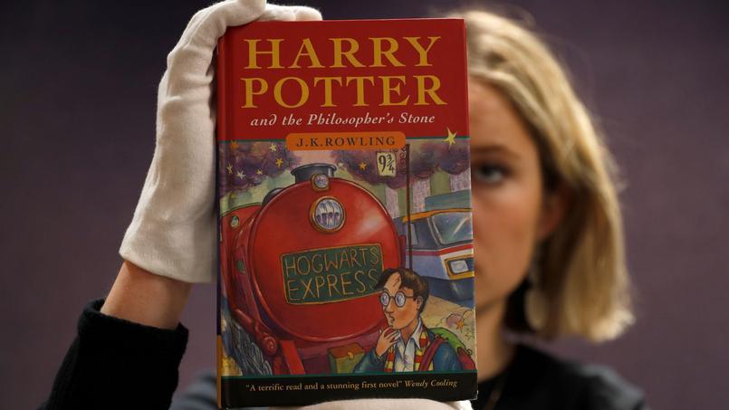 Harry Potter Un Exemplaire Vendu Pres De 80 000 Euros Pour