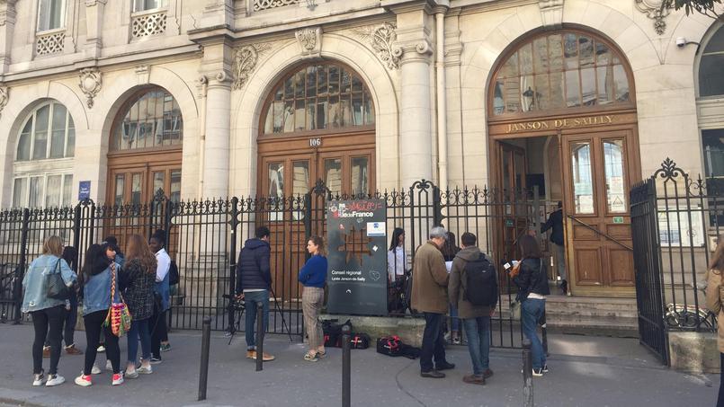 Paris : un lycéen retrouvé pendu dans un internat