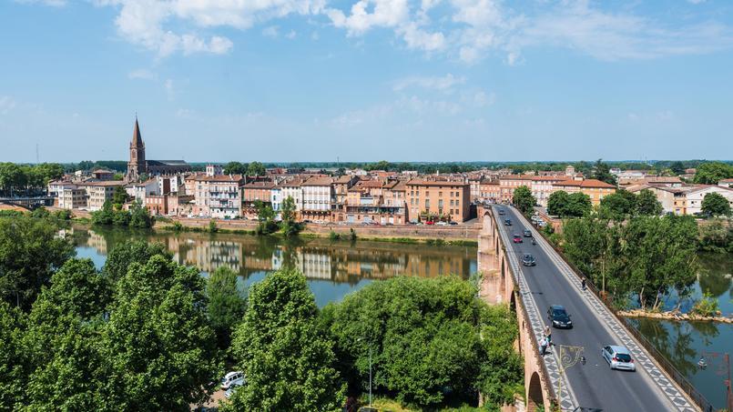 Vue générale de Montauban et du Pont vieux.
